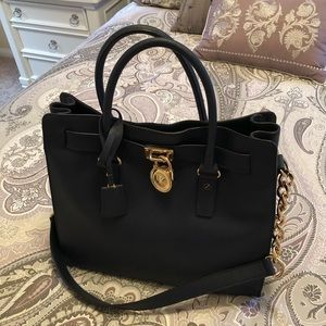 NWOT Michael Kors Large Hamilton Tote in Navy!